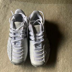 Shoes - Adidas Barricade sneackers!💖